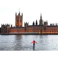 İngiltere Suda Yürüyen Adamı Konuşuyor!