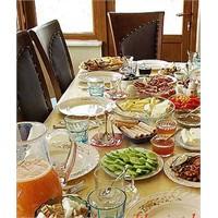 Ailenize Özel Kahvaltı Sofrası Nasıl Hazırlanır