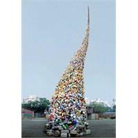 Atılmış Plastiklerden Çöp Kule