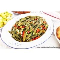 Arşın Fasulye Salatası Tarifi