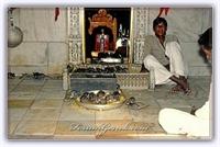 Farelere Adanmış Karni Mata Tapınağı | Tanıtım