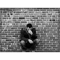 Bir Adam Ve Yalnızlığı