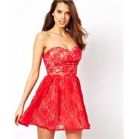 İşte En Yeni Trendler : Kırmızı Elbise Trendleri