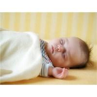 Yeni Doğan Bebek Nasıl Yatırılmalı