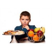 Çocuklara Sakıncalı Yiyecekler