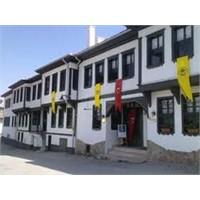Sivil Mimarinin Tipik Örneklerinden Osmanlı Evi