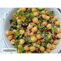 Susamlı Nohut Salatası