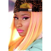 Nicki Minaj Makyajı Nasıl Yapılır ?