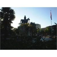 Bursa Ataturk Anıtı (Osmangazi)