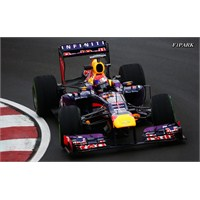 Vettel Kanada'da Rahat Kazandı !!