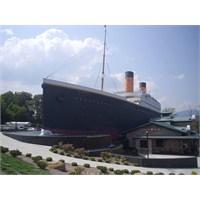 Taytanik Yani Titanik Müzesi