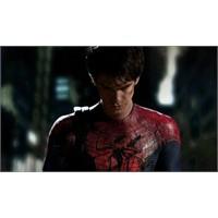 Yeni Örümcek Adam Kostümü