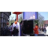 Amsterdam: Queensday'de İdrar Yarışması