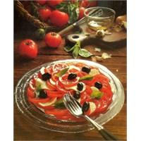 Kolay Domates Salatası Tarifi