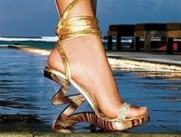 Kadınlar Ve Ayakkabıları