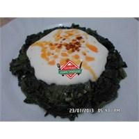 Yoğurtlu İspanak Salatası Tarifi