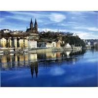 Prag Vlatava Nehri