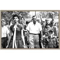 Dorothy Counts- Beyaz Okulunda Siyahi Bir Genç Kız