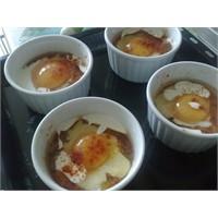 Fırında Menemenli Kremalı Yumurta