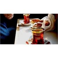 Çay İçmek Susuzluğu Gideriyor Mu ?