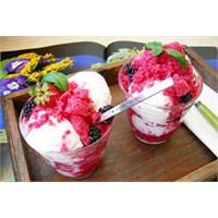 Kızılcık Granita Ve Vanilyalı Dondurma