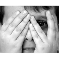 İlgisiz Yetiştirilen Çocuk Güvensizlik Yaşıyor