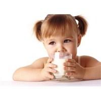 Her Gün İki Bardak Süt Çocuklarda Zekâyı Geliştiri