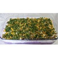 Yoğurtlu Etimek Salatası