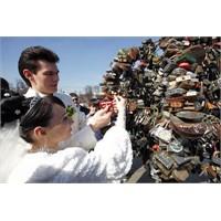 Eğlenceli Batıl Evlilik İnançları