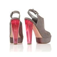 Sezonun Yeni Modası Şeffaf Topuklu Ayakkabılar