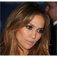 Jennifer Lopez'in Farklı Makyaj Stilleri