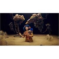 "Yeni Video: Björk ""Mutual Core"""