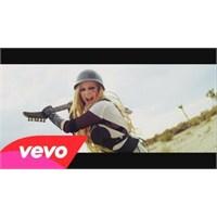 Avril Lavigne'nin Xperia Reklamı
