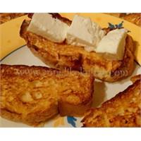 Pratik, Fırında Yağsız Ve Sütlü Ekmek Kızartması.