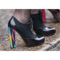 Milanoda Dikkat Çeken Ayakkabılar!
