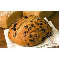 Isırgan Otlu Zeytinli Ekmek Tarifi