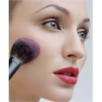 Kozmetik Ürünlerini En İyi Nasıl Saklayacaksınız?