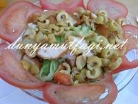 Kıtır Ekmekli Tavuk Salatası