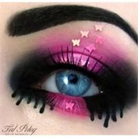 Sanat Gibi Göz Makyajları