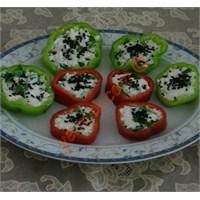Peynirli Renkli Biber Dilimleri (Resimli)