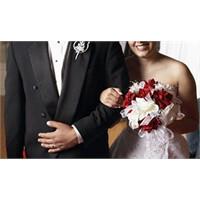 Evliliğin Dayanılmaz Hafifliği