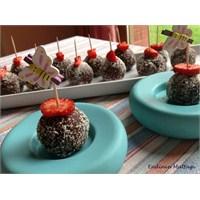 Çilekli Çikolatalı Toplar - Endinin Mutfagi