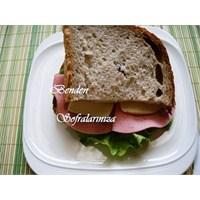 Hindi Salamlı Sandviç