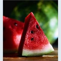 Yaz diyetlerinin vazgeçilmezi karpuz