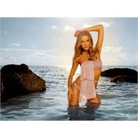 Bikini Ve Plaj Modası