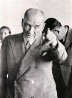 Atatürk Ve Beden Dili