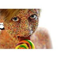 Şeker Tüketimi Yaşlı Gösteriyor
