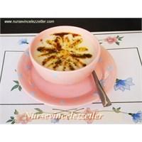 Arpa Şehriyeli Nefis Yoğurt Çorbası