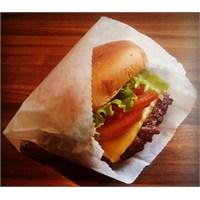 Burger & Milk Shake'in Müthiş Uyumu