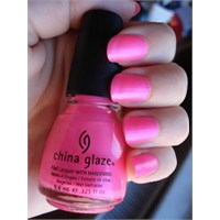 China Glaze - Pink Voltage